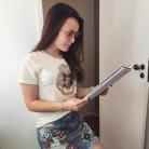 """Larissa Manoela, do filme """"Fala Sério, Mãe"""", posa com Thalita Rebouças e Ingrid Guimarães!"""