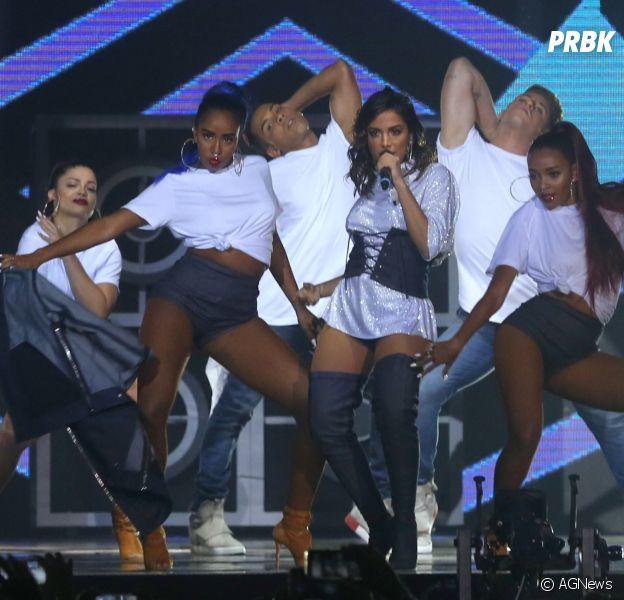 Anitta faz medley explosivo com os maiores sucessos da carreira e arranca elogios na internet
