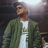 """Bruno Mars anuncia lançamento de música nova após o sucesso do hit """"24k Magic"""""""