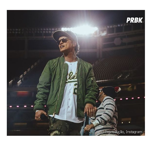 Bruno Mars revela lançamento de música nova para a próxima sexta-feira (4)