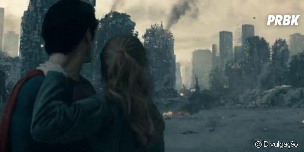 """Como em """"Homem de Ferro"""", os filmes de heróis sempre têm que ter destruição em massa!"""