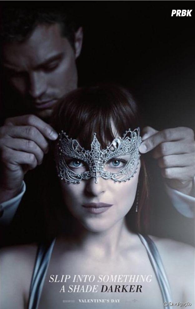"""Christian Grey (Jamie Dornan) e Anastasia (Dakota Johnson)  estão ainda mais sensuais em """"50 Tons Mais Escuros"""""""