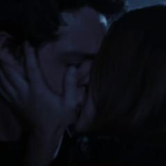 """Final """"Teen Wolf"""": na 6ª temporada, Stiles e Lydia finalmente se beijam e fãs surtam!"""