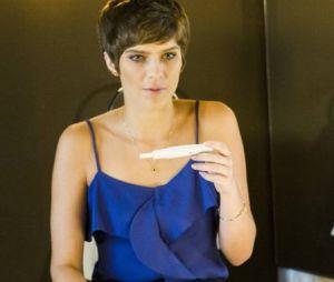 """Em """"A Lei do Amor"""", Letícia (Isabella Santoni) desconfia que está grávida após separação de Tiago (Humberto Carrão)!"""