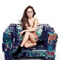 """Lady Gaga divulga trecho de """"Do What U Want"""" e é defendida por Cher: """"Gaga não é Madonna!"""""""