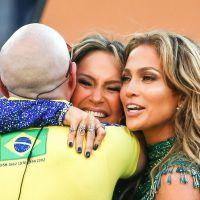 Claudia Leitte, Jennifer Lopez e Pitbull levantam o público na abertura da Copa