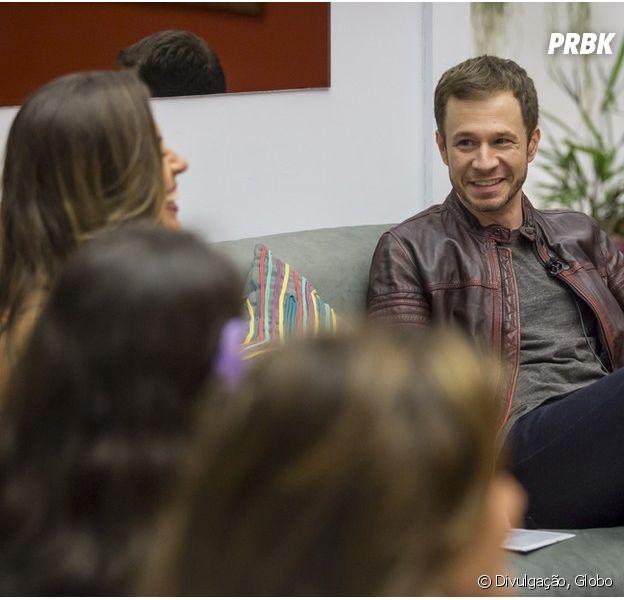 "No ""BBB17"", Tiago Leifert apresenta programa dentro da casa mais vigiada do país!"