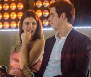 """Em """"Pega Pega"""", Luisa (Camila Queiroz) e Eric (Mateus Solano) se beijam no 1º capítulo"""