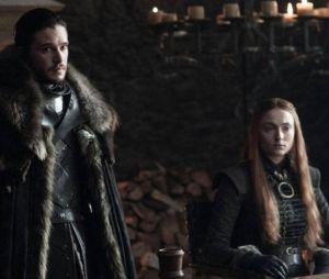 """De """"Game of Thrones"""": Jon Snow (Kit Harington) e Sansa Stark (Sophie Turner) aparecem nas novas imagens da 7ª temporada"""