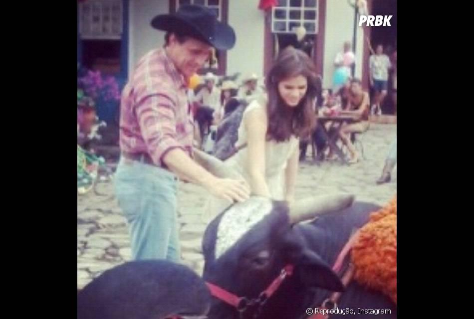 """""""Em Família"""" tem previsão de estrear em janeiro de 2014 e conta com Bruna Marquezine e a irmã, Luana, no elenco"""