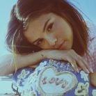 """Selena Gomez libera imagens de """"Fetish"""", seu próximo single, e deixa fãs ansiosos no Instagram!"""