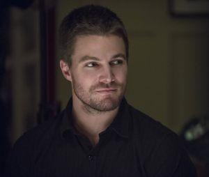 """Em """"Arrow"""", Oliver Queen (Stephen Amell) estará diferente na 6ª temporada"""