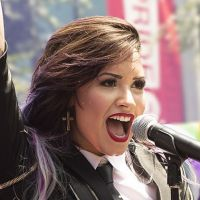 Demi Lovato para de seguir Selena Gomez no Twitter e cria polêmica