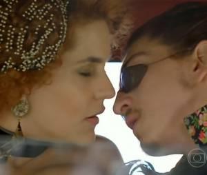 """Em """"Meu Pedacinho de Chão"""", Ferdinando (Johnny Massaro) e Gina (Paula Barbosa) estavam bem próximos"""