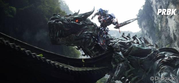 """Estrelado por Mark Wahlberg, """"Transformers: A Era da Extinção"""" é o quarto filme da franquia"""