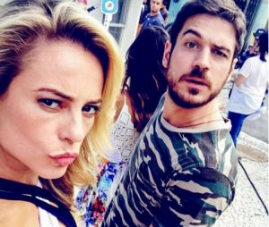 """De """"A Força do Querer"""", Paolla Oliveira e Marco Pigossi fazem caras e bocas nos bastidores da novela"""