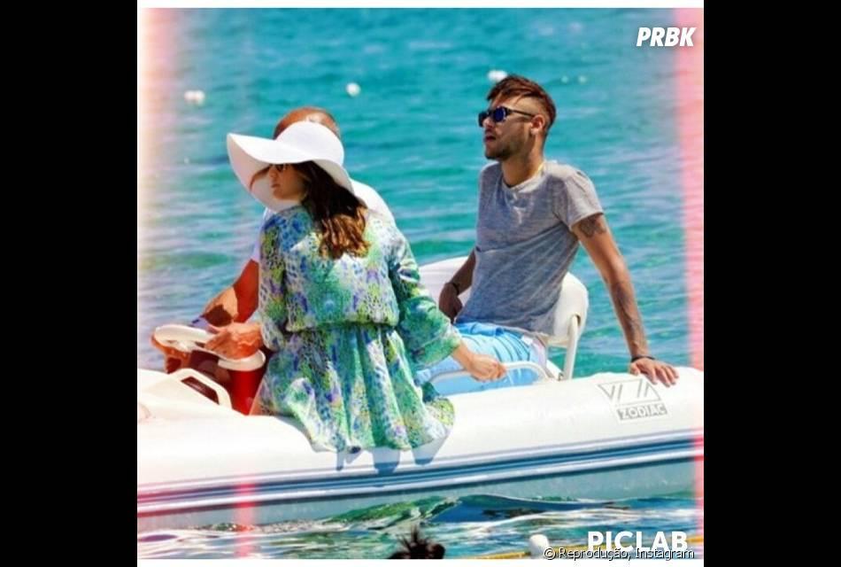 Neymar Jr. e Bruna Marquezine se divertem em passeio de iate em Ibiza, Balneário da Espanha