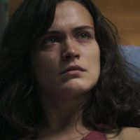 "Novela ""O Outro Lado do Paraíso"": Clara (Bianca Bin) vai se separar de Gael após apanhar outra vez!"