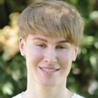 Fã de Justin Bieber faz cirurgia para se parecer com o astro. Confira 6 loucuras de fãs