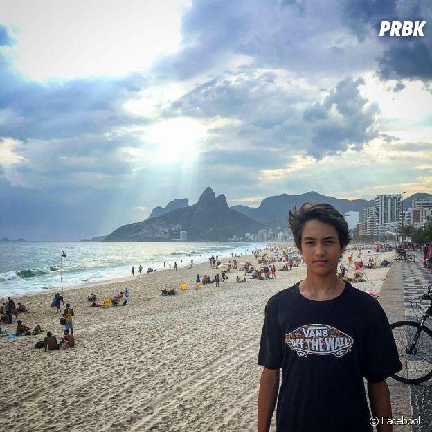 Erick Andreas, namorado de Mel Maia, mora no Rio de Janeiro e curte uma praia!