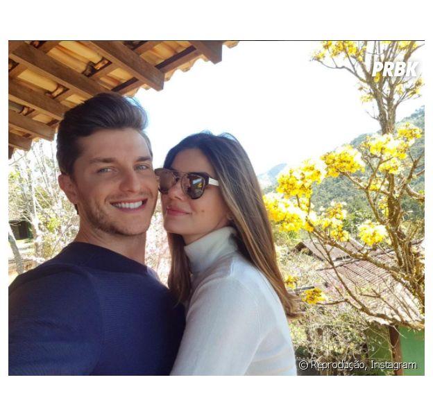 Camila Queiroz e Klebber Toledo decidem local do casamento!