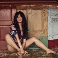 """Camila Cabello lança as músicas """"Never Be The Same"""" e """"Real Friends"""" e coloca CD em pré-venda"""