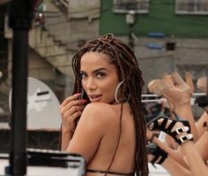 """Anitta: 5 detalhes da prévia de """"Vai Malandra"""" que não podem passar despercebidos"""