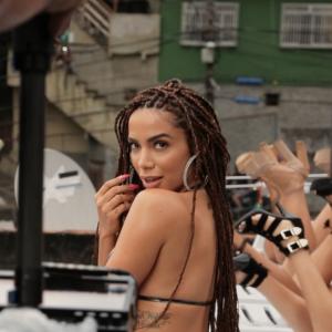 """Anitta e os 7 momentos da prévia de """"Vai Malandra"""" que não podem ser esquecidos!"""