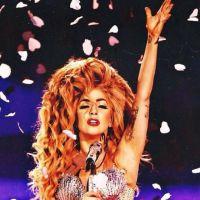 Lady Gaga vomita no palco durante show, mas continua com apresentação