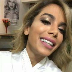 """Anitta está loira! Você precisa ver o novo cabelo da dona do hit """"Vai Malandra"""""""