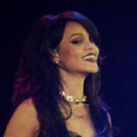 """Na """"The Monster Tour"""", Rihanna e Eminem surpreendem com primeiro show da turnê"""