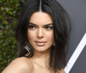 Kendall Jenner responde críticas por sua acne no tapete vermelho do Globo de Ouro 2018