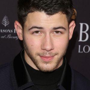 Selena Gomez e Nick Jonas tiveram 1ª vez desastrosa? Cantor revela tudo em entrevista
