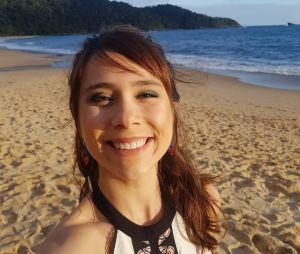 """De """"Malhação"""", Daphne Bozaski aproveitou sua ida à praia e eternizou o momento"""
