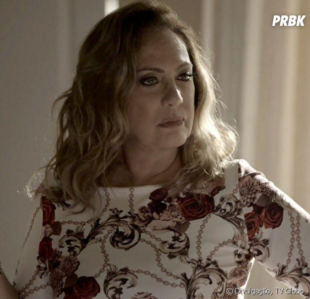 """Em """"O Outro Lado do Paraíso"""": Nádia (Eliane Giardini) é humilhada no seu próprio salão ao ouvir que Diego (Arthur Aguiar) é impotente"""