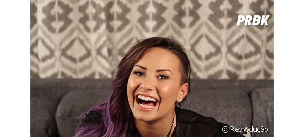 Demi Lovato ri na cara das inimigas