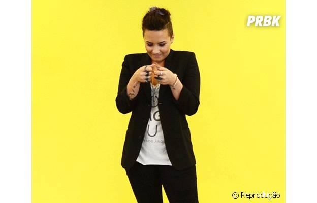 Demi Lovato mostra que é simples como os fãs