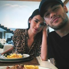 Bruna Marquezine e Neymar Jr. curtem aniversário de Rafaella Santos em Mangaratiba