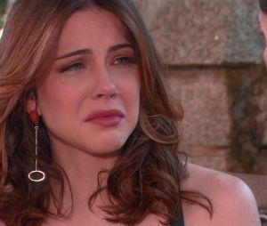 """Em """"Carinha de Anjo"""", Cecília (Bia Arantes) acha que Gustavo (Carlo Porto) a traiu!"""