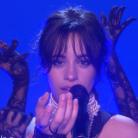 """Camila Cabello arrasa cantando """"Never Be The Same"""" no programa de Ellen DeGeneres! Assista"""