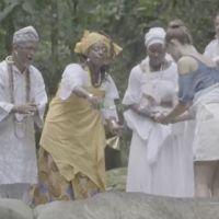 """Em """"Malhação"""", Talíssia recebe ajuda dos amigos para reerguer terreiro destruído!"""