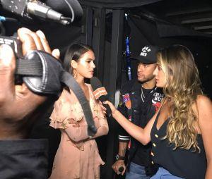 """Neymar Jr. e Bruna Marquezine deram a sua primeira entrevista juntos nos bastidores do """"The Voice Kids"""""""