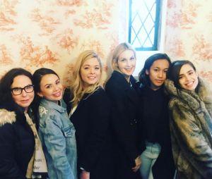 """De """"Pretty Little Liars: The Perfectionists"""": elenco comemora o fim das gravações do episódio piloto da série"""