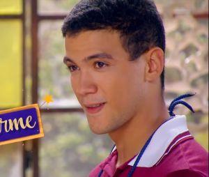 """De """"As Aventuras de Poliana"""": Guilherme (Lawrran Couto) é um jovem misterioso e rebelde que esconde que é rico"""