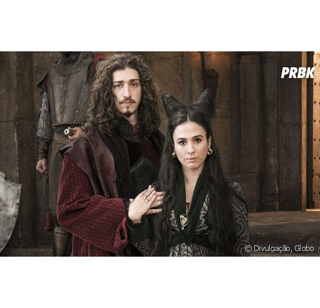 """Em """"Deus Salve o Rei"""", Rodolfo (Johnny Massaro) se arrepende de traição a Lucrécia (Tatá Werneck)"""