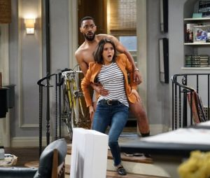 """Veja fotos de """"Fam"""", nova série de comédia da CBS estrelada por Nina Dobrev"""