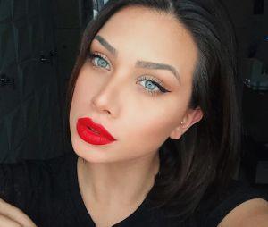 Flavia Pavanelli é acusada de ter feito lipoaspiração