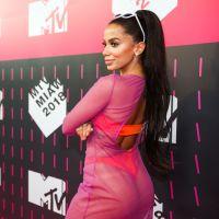 """Anitta conta como será sua próxima música: """"Muito forte e diferente"""""""