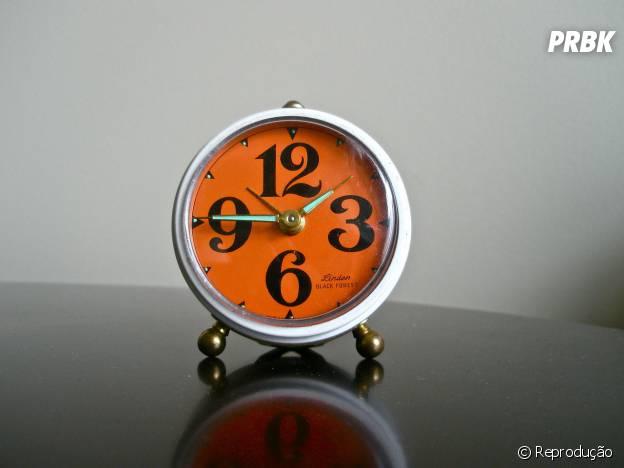 """Despertador te acordar na hora certa: quando você entra na fase """"sono leve"""""""