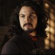 """Em """"Deus Salve o Rei"""", Afonso (Romulo Estrela) explica que nunca quis nada pessoal com Catarina (Bruna Marquezine)"""